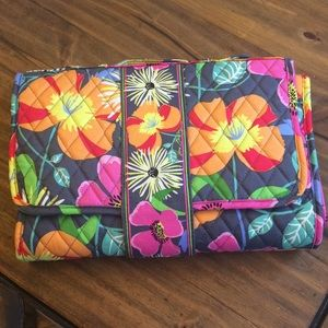 Vera Bradley Portable Changing Pad in Jazzy Blooms